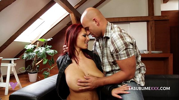 domino true large boobs reddish hair big tits