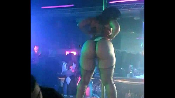 stripper long ass shaking how exciting this big ass