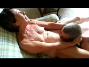 Oral Sex mature gal taking blowjob sex super exciting to e