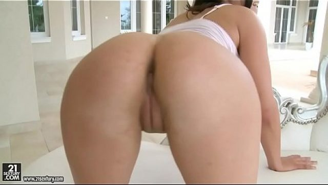 Perfect Pussy butt filled with a pecker juice